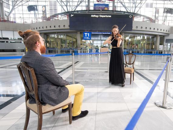 Un concierto individual en el aeropuerto de Stuttgart.