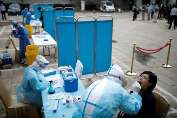 Pruebas de coronavirus en Pekín.
