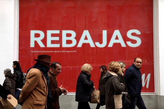 Rebajas en una tienda de moda