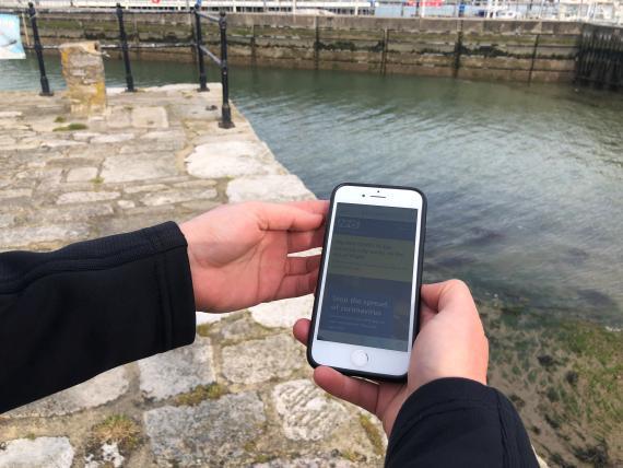 Aplicación de rastreo de contactos en Reino Unido.
