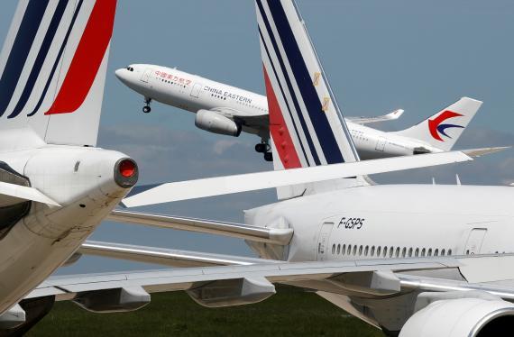 Aviones en el Aeropuerto de París-Charles de Gaulle, en Francia.
