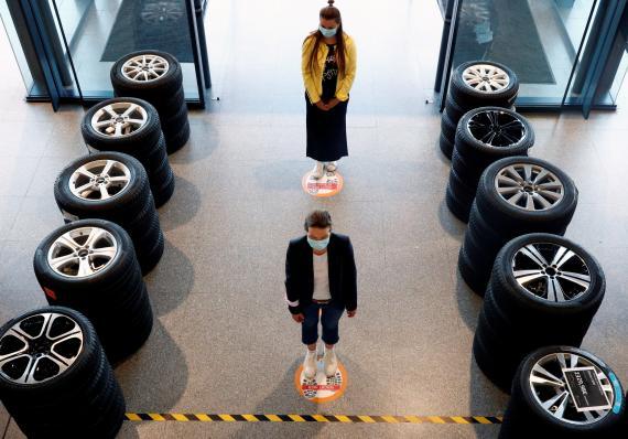 Un concesionario de automóviles en Alemania durante la pandemia del coronavirus