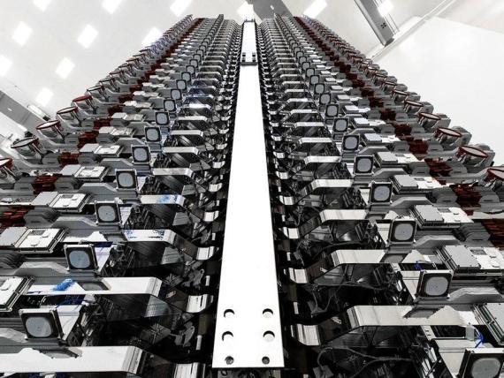 La constelación de 60 satélites de internet de alta velocidad, Starlik (de SpaceX), antes de su partida en 2019.