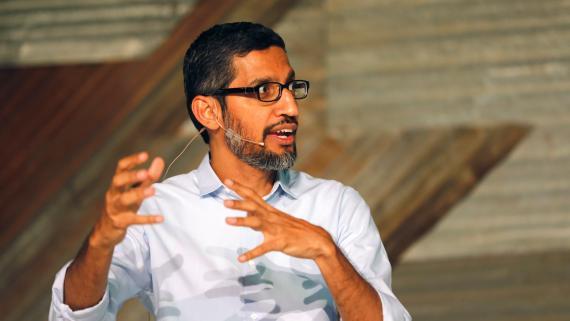 El CEO de Google, Sundar Pichai, en una conferencia que dio en Nigeria en 2017.