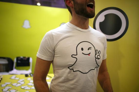 Una camiseta con el logo de Snapchat
