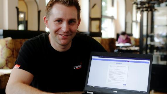 Max Schrems, el activista por la privacidad austriaco que acaba de ganarle la batalla legal a EEUU.