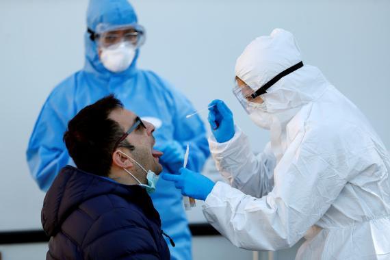 Los médicos españoles creen haber descubierto un nuevo síntoma de coronavirus.