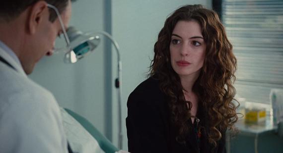 Anne Hathaway como Maggie Murdock en 'Amor y otras drogas'.