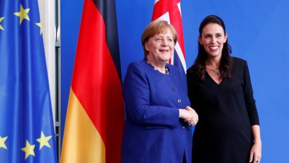 La canciller alemana, Angela Merkel, y la primera ministra de Nueva Zelanda, Jacinda Ardern