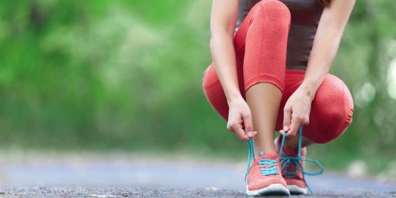 Incluso una caminata rápida puede ayudar a bajar el colesterol, sin medicación.