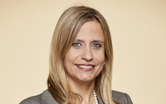 Lola Solana, gestora de fondos de RV Small Caps de Santander AM.