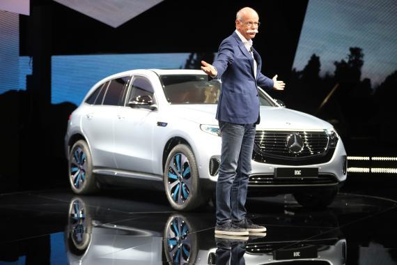Dieter Zetsche, CEO de Daimler AG y Jefe de Mercedes-Benz Cars, durante una presentación del Mercedes EQC, nuevo SUV eléctrico