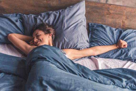 mujer durmiendo, dormir