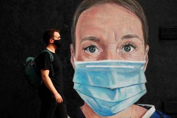 Un mural sobre el coronavirus