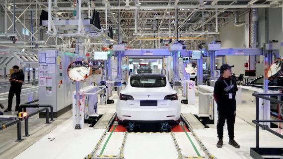 Tesla Model 3, fabricándose en China.
