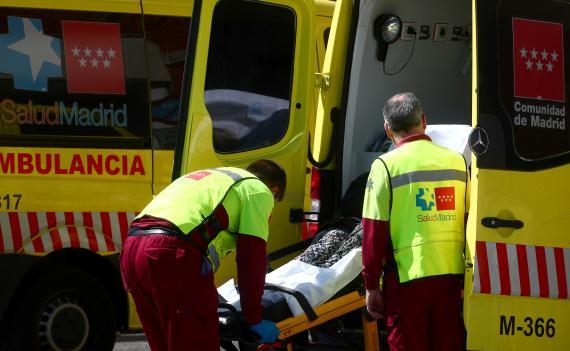 Ambulancia fuera de la unidad de urgencias del hospital 12 de Octubre de Madrid.