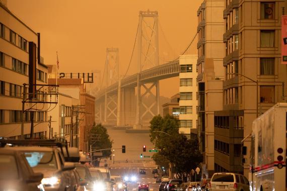 El cielo de San Francisco, teñido de naranja por los incendios que están arrasando California.
