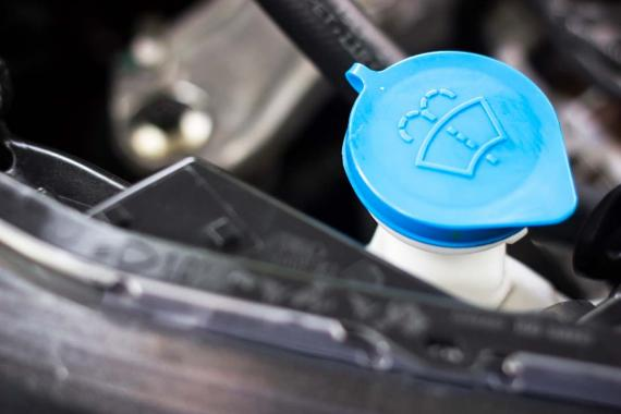 Cómo rellenar el líquido de los limpias y por qué no debes usar sólo agua