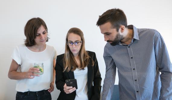 De izquierda a derecha: Júlia Rodríguez, Sara Toledano y Javier García.