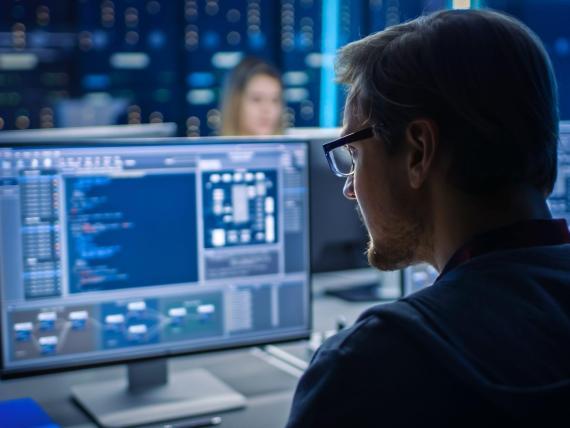 Diario de trabajo: soy un hacker de 'sombrero blanco'. Así es mi trabajo y 5 cosas que creo que todos deberían hacer para proteger su información personal.