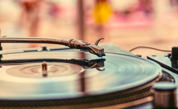 Por primera vez en 40 años, los vinilos ya venden más que el CD