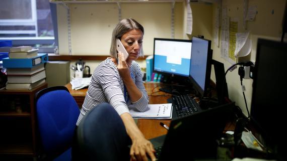 Una rastreadora de contactos de Reino Unido.