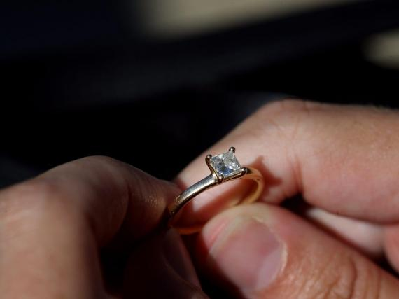 The resale market for diamond engagement rings is booming, as the pandemic causes divorce rates to spike and has become a 'make-or-break' moment for couples