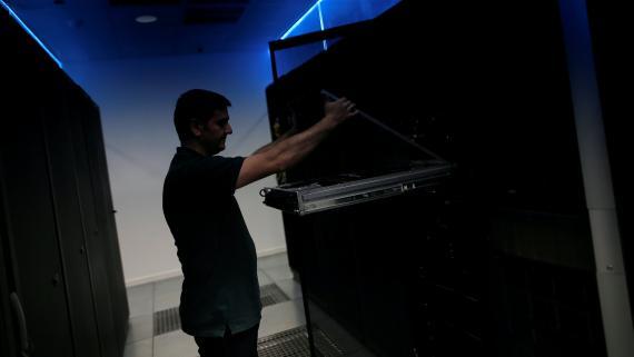 Técnico de un centro de datos en Málaga.