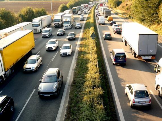 Circulación de vehículos en carretera