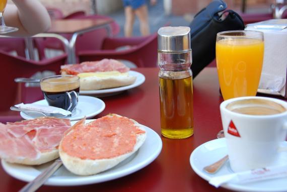 Desayuno de bar