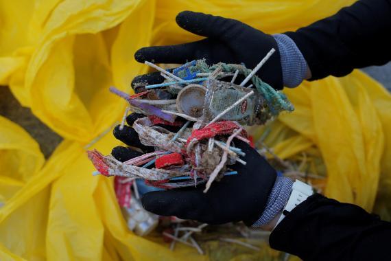 Plástico recogido del mar.