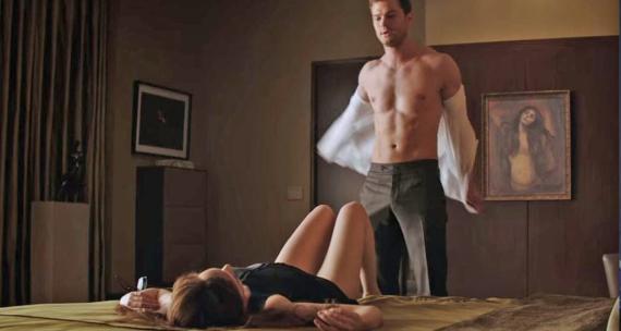 Escena de la película Cincuenta sobras de Grey