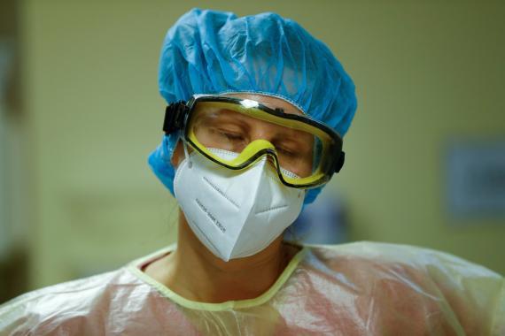 Enfermera al frente del COVID-19.