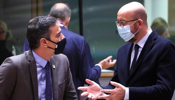 El presidente del Gobierno, Pedro Sánchez, y el del Consejo Europeo, Charles Michel