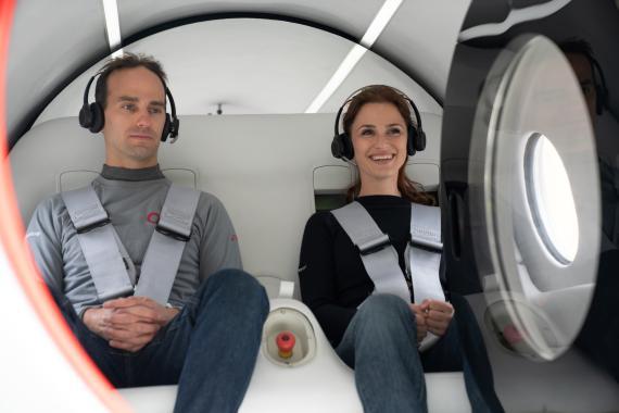 Primeros pasajeros del tren de Hyperloop de Virgin