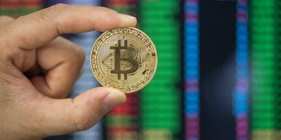 Bitcoin sigue cotizando a precios cada vez más altos desde que se lanzó en 2009, atrayendo cada vez más el interés de los inversores.