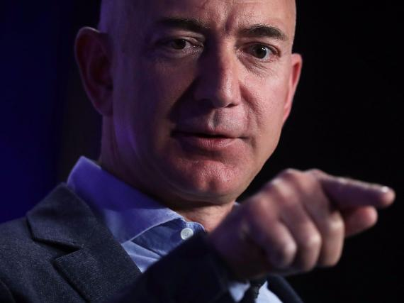 A chart shows how Amazon CEO Jeff Bezos's net worth exploded by $72 billion in 2020 amid the coronavirus pandemic