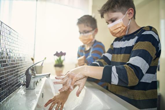 Lo de lavarse las manos tampoco es tan grave, sigamos haciéndolo (gettyimages)