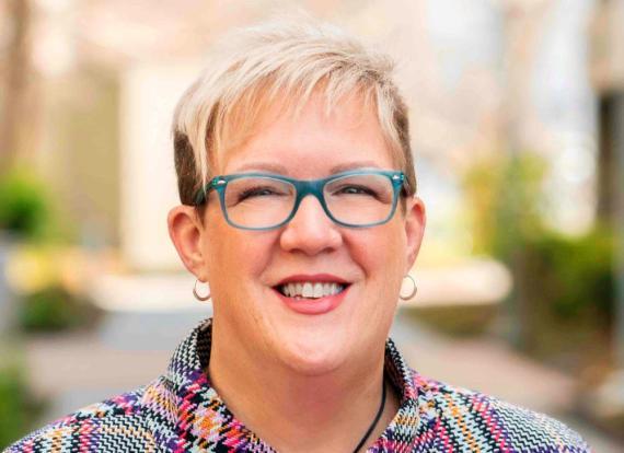 Lynne Oldham es la jefa de personal de Zoom