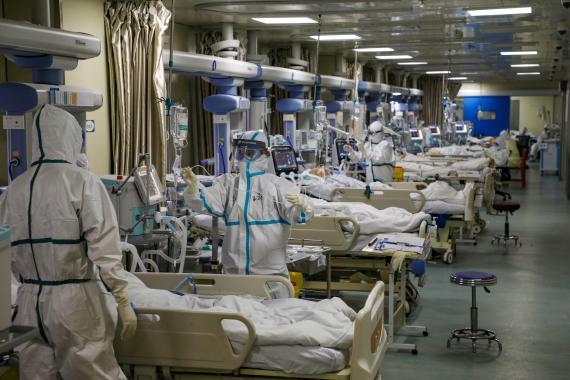 Una unidad de cuidados intensivos en un hospital de Wuhan durante la pandemia del coronavirus