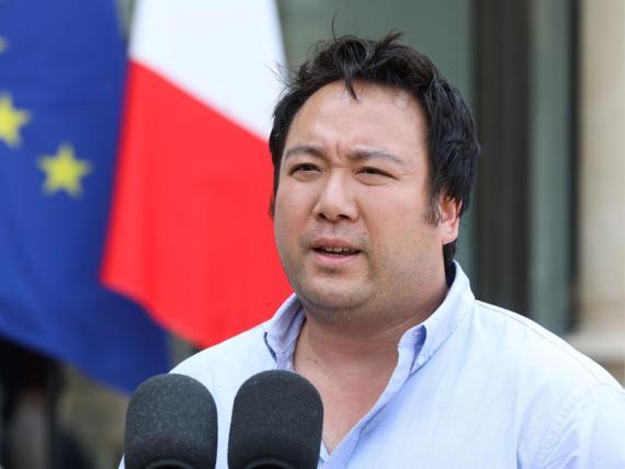 El CEO de Deliveroo, Will Shu, en la cumbre tecnológica del Presidente Macron, en Francia en 2018. Shu dice que fue el único que no se presentó con un traje.