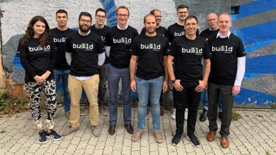 Parte del equipo de Build38.