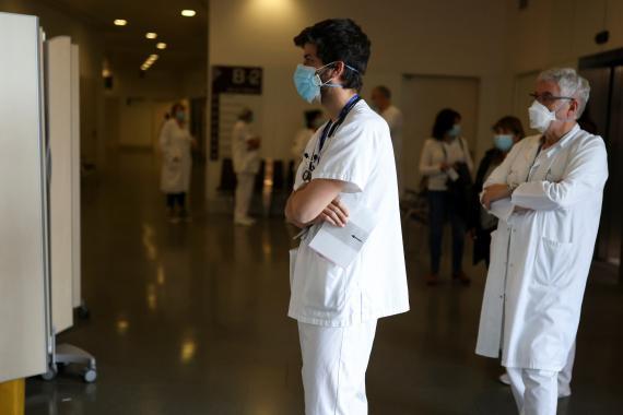 """""""¿Cuándo me vacuno?"""" Todo lo que debes saber sobre el plan de vacunación en España y cómo calcular tu turno"""