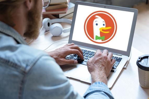 DuckDuckGo en ordenador portatil