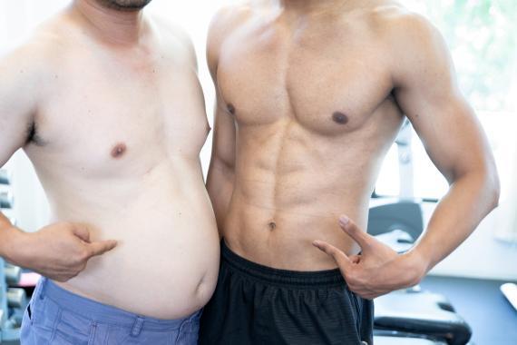 Hombre gordo y hombre musculoso.
