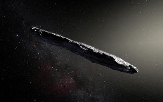 """La impresión de este artista muestra el primer objeto interestelar conocido que visitó el sistema solar, """"Oumuamua"""", que fue descubierto el 19 de octubre de 2017 por el telescopio Pan-STARRS1 en Hawai."""