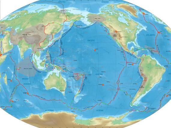 Un mapa de los límites actuales de las placas tectónicas de la Tierra.