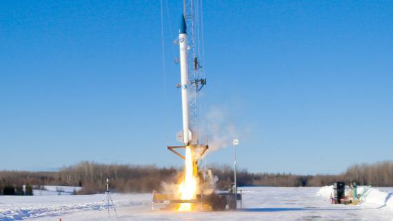 El cohete Stardust 1.0 en una prueba de lanzamiento a baja altitud.