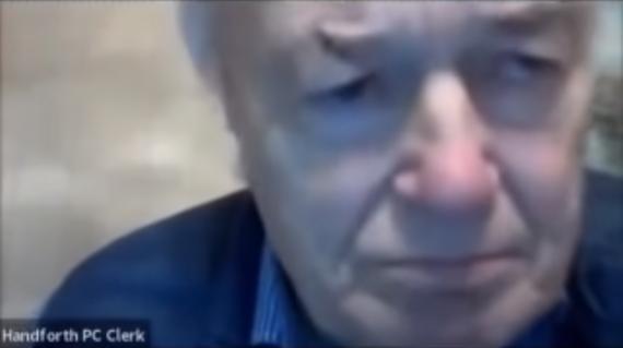 Concejal videollamada chesire