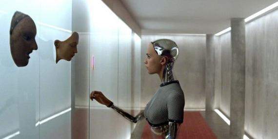 Fotograma de 'Ex Machina'.